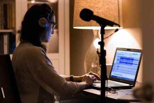 Yezmin-Thomas-editing-podcast
