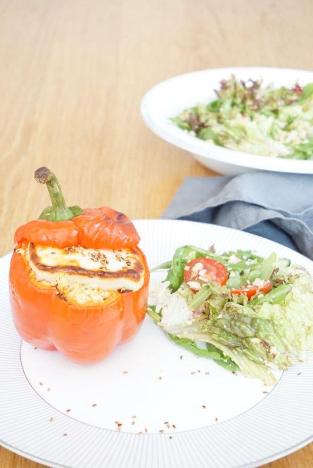 Gevulde paprika met bloemkoolcouscous en halloumi