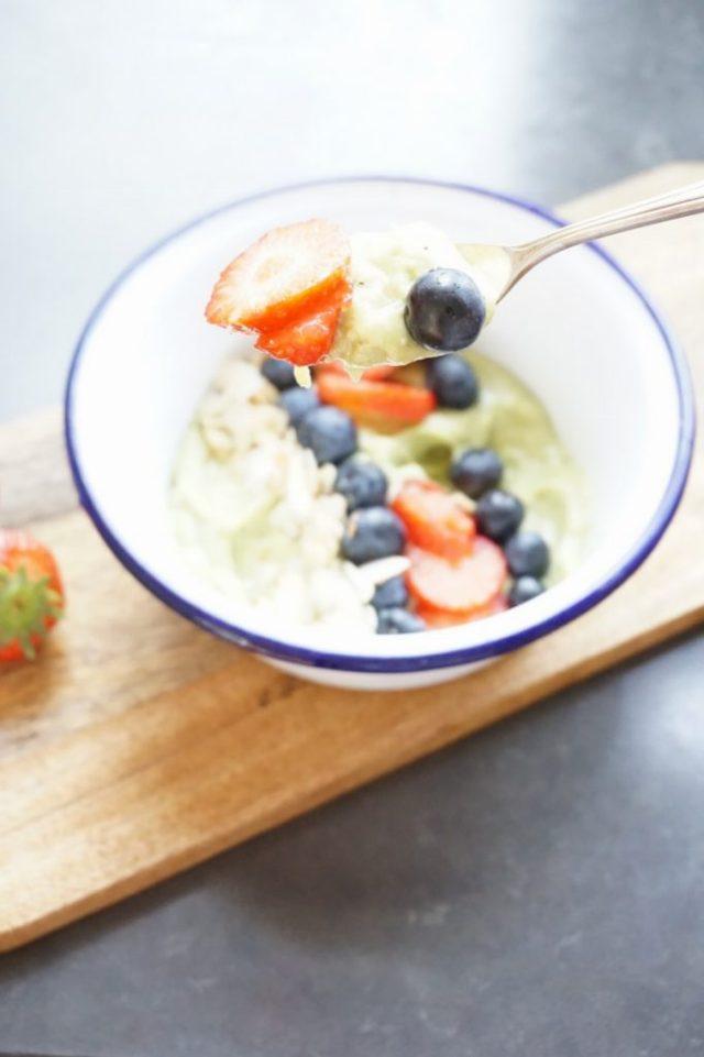 Avocado bananenmousse - vegan ontbijt mousse