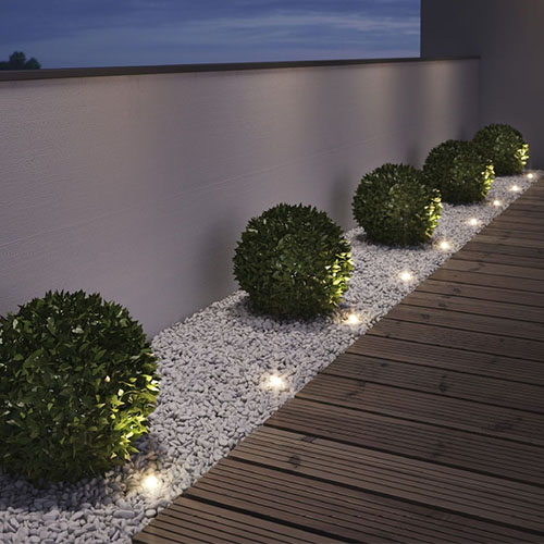 ideas for lighting a modern front yard