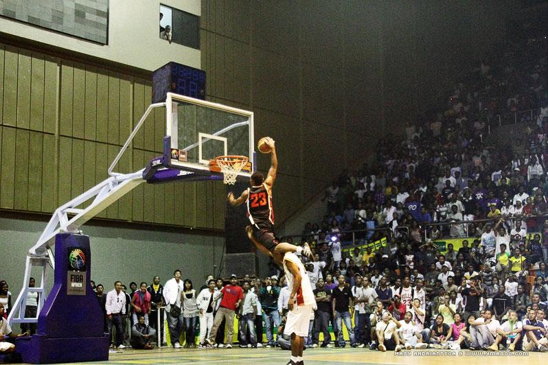 0039_dunk_10.10.31.18.30.56 Concours de dunk Allstar Gasy