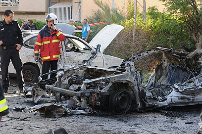 Car hit by missile in Beer Sheva