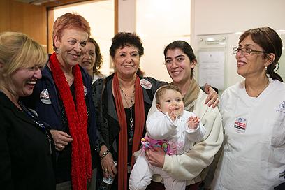 אילנה כהן (במרכז) ועמיתותיה בבית הדין לעבודה (צילום: אוהד צויגנברג)