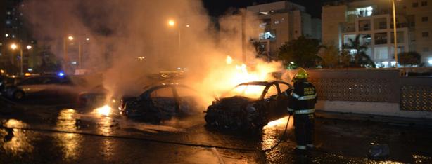Rocket strikes a vehicle in Ashdod