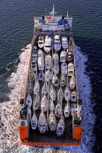 Sevenstar Yacht Transport Yellow Amp Finch Publishers