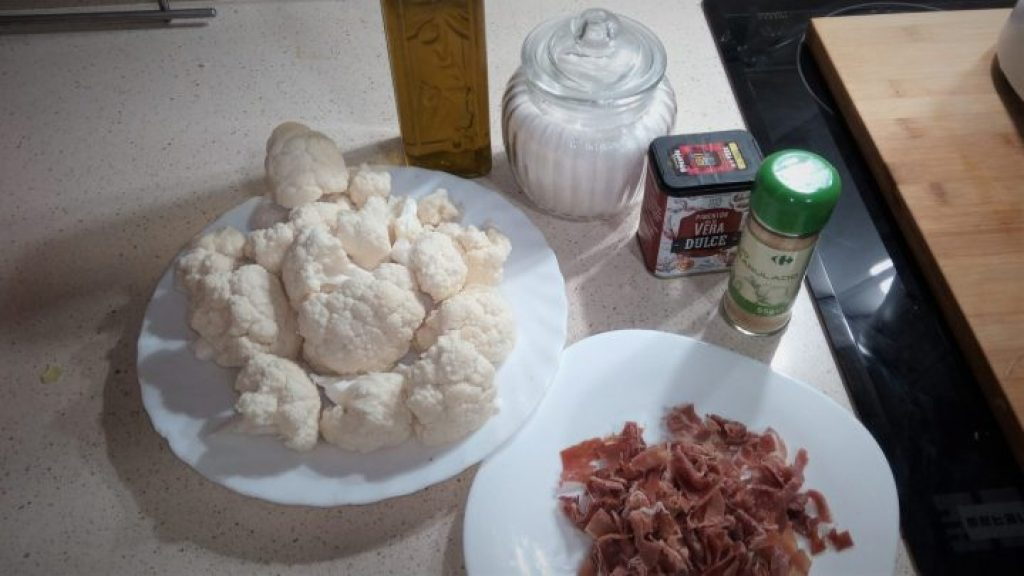 Ingredientes migas de coliflor en Thermomix