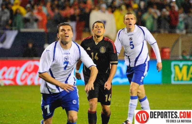"""En 2012 México derrotó 2-1 a la de Bosnia con goles de Giovani Dos Santos y Javier el """"Chicharito"""" Hernández."""