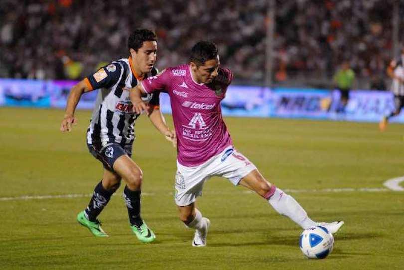 Esmeraldas de León tuvo una buena actuación y con ello derrotó 2-0 a Rayados de Monterrey, en el partido disputado hoy en el estadio Tecnológico y correspondiente a la séptima jornada del Torneo Clausura 2014.