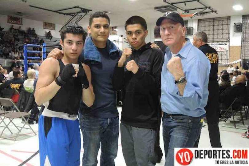 Dionicio Luna novato de 125 libras, el entrenador Fermin Ayala, Leonardo Chávez, 147 libras novato, y John Muckion en masters 178 libras.
