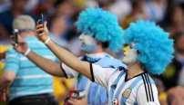 La afición argentina revoluciona Río el día que Messi debuta en el Maracaná. EFE
