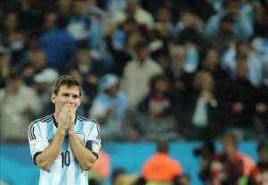 Lionel Messi cumple el control antidopaje y no habla a la prensa. EFE