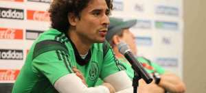 Guillermo Ochoa cumple con las expectativas de Miguel Herrera