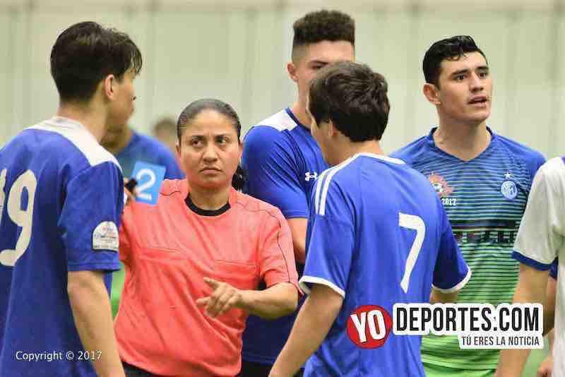 Rosalba Luna árbitro del juego de ida entre Ludoviko y su Banda vs. Southside por el Campeón de Campeones.