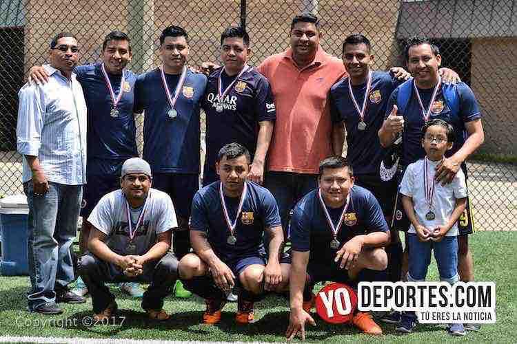 Barcelona segundo lugar Champions League-Illinois International Soccer