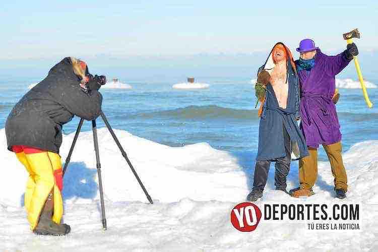Chicago Polar Plunge-Lago Michigan-North Beach-happy new year chicago