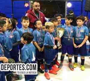 Premian a Little Village campeones categoría 2009