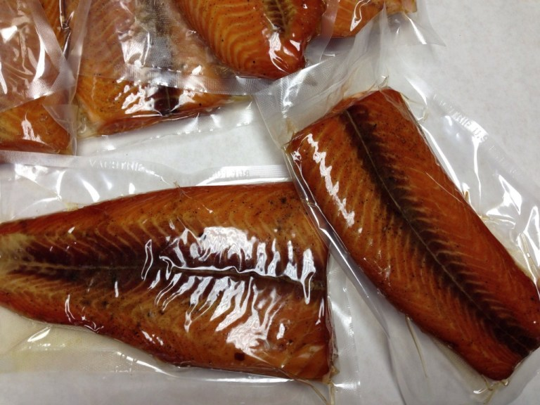vacuum-packed-smoked-salmon
