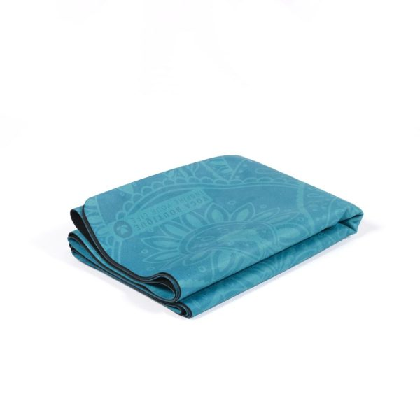 Velvet yoga Mat - travel & yoga towel - the best yoga products are on our yoga online shop