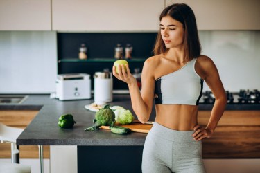 eating before yoga