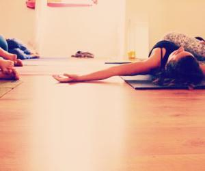 yoga con cris. Yin yoga