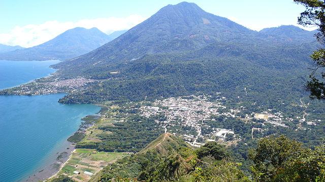 San Juan La Laguna, Guatemala By Jaime - Biblioteca Comunitaria Rija'tzuul Na'ooj, Wikipedia, Creative Commons