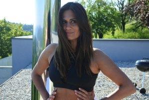 Yoga im Park - Sarah Tippl-Virk
