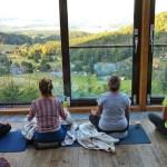 yoga-intensiv-wochenende-zittauer-gebirge-hubertusbaude-yogaleicht-de