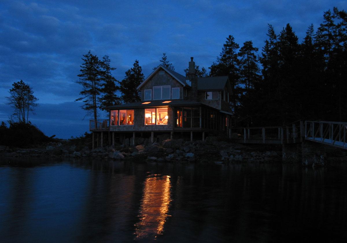 Taili Lodge l'île Cortes, Colombie Britannique, yoga and kayak de mer avec Francine Aubry