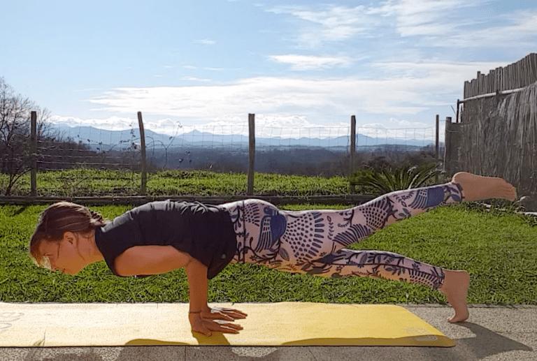 yoga-posture-paon-1-pied