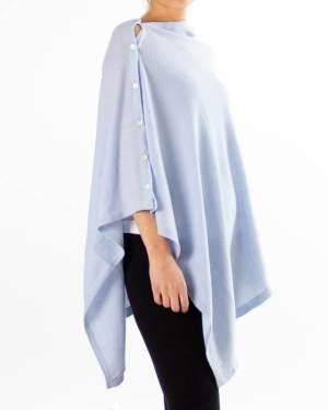 Lys blå poncho av kasjmir / cashmere