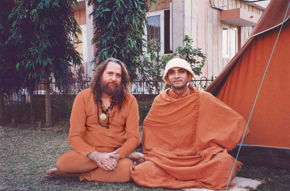 Swami Ayyappa Giri enjoying satsang with Swami Niranjananda