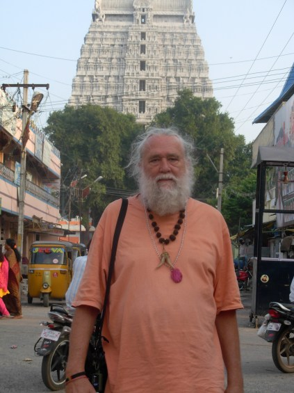Enjoying the Bliss of Tiruvanamalai Shiva Fire Temple