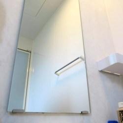 お風呂場の鏡の水垢がなぜガンコなのか?なぜ茂木和哉で落とせるのか?