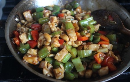 野菜たっぷり簡単宮保鶏丁風