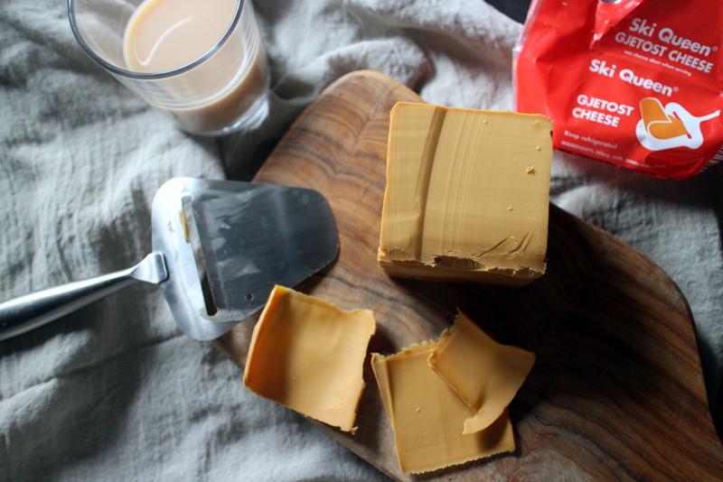 冬を乗り切るツール、北欧のブラウンチーズ
