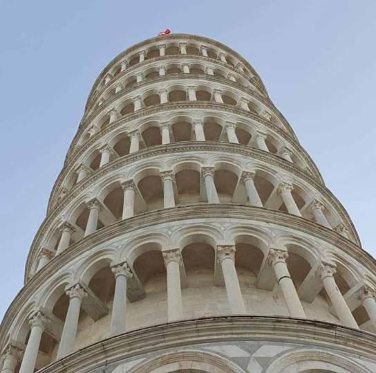 Pisa Kulesi yakın çekim