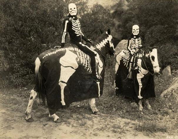 patys-baisiausi-helovyno-kostiumai-is-praeities-6