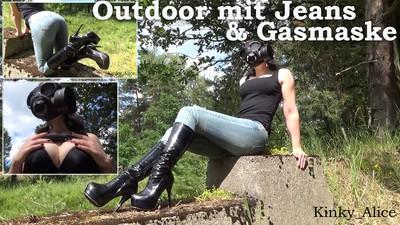 Outdoor mit Jeans und Gasmaske