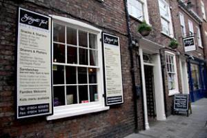 York360  Stonegate Yard York Bar  Brasserie 810 Little Stonegate York
