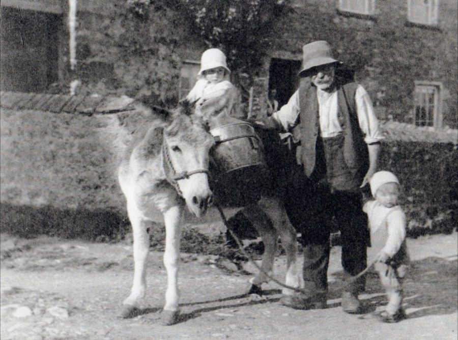 Jimmy, Joe Lambert & Bostock children.