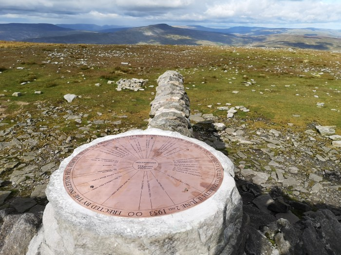 Summit Shelter with replica toposcope looking towards Whernside
