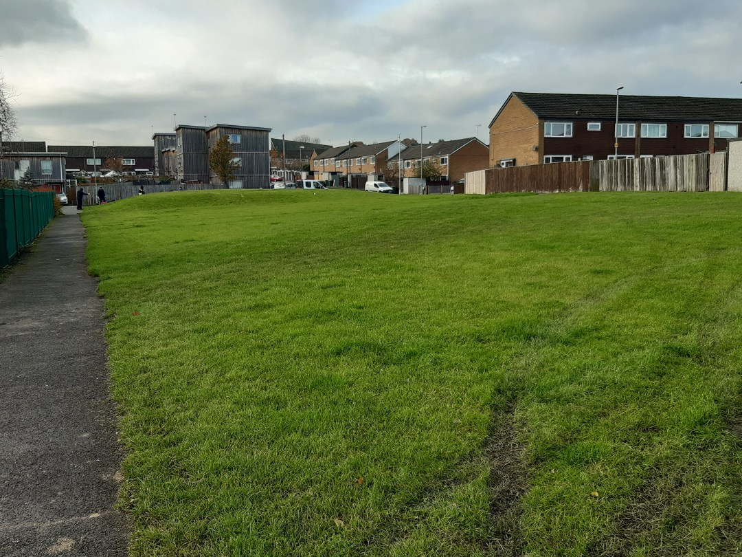 YH Swarcliffe grass area