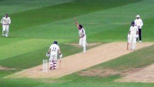 Ryan Sidebottom in action against Warwickshire