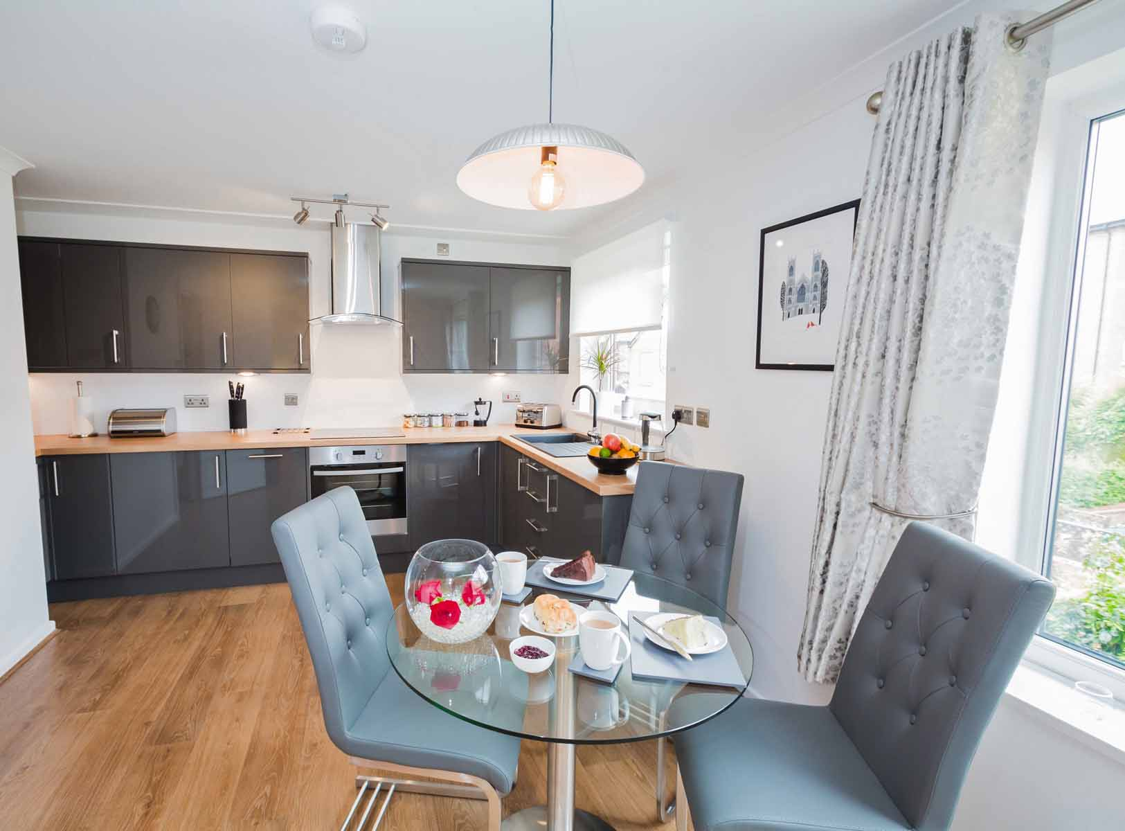 Cloisters Walk, Holiday Let, york, york stay, Kitchen and Dining area
