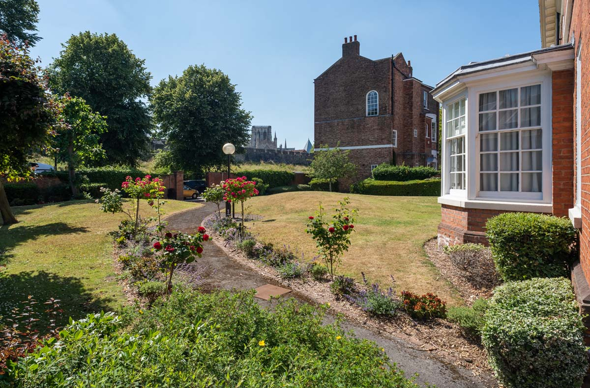 Feversham Holiday Apartment York - Garden