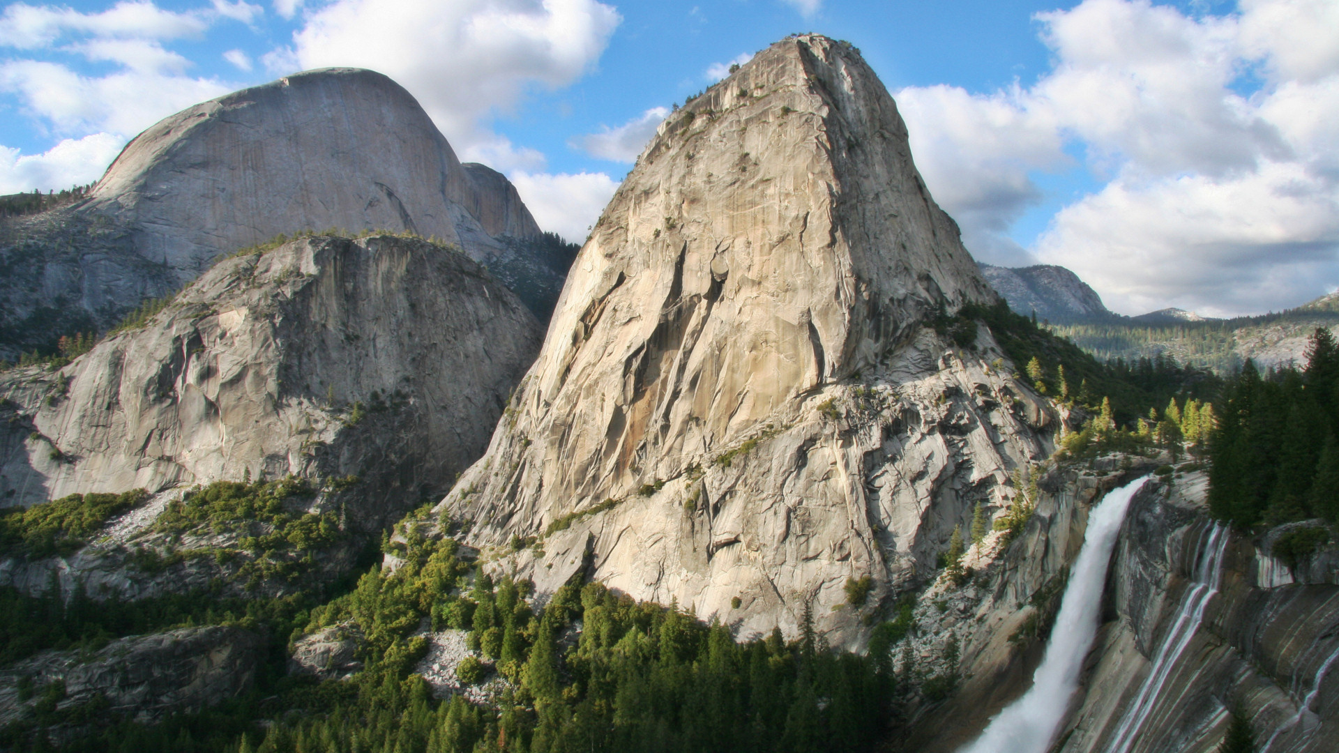Upper Yosemite Falls Wallpaper Free Yosemite Wallpaper Nevada Fall