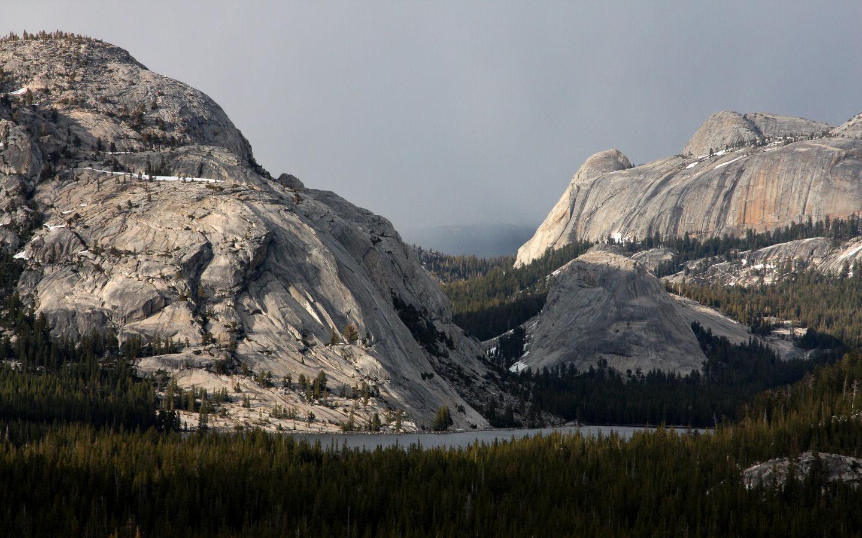 Free Desktop Wallpaper Falling Snow Free Yosemite Wallpaper Tenaya Lake From Olmsted Point