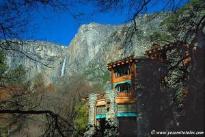 ahwahnee-with-yosemite-falls