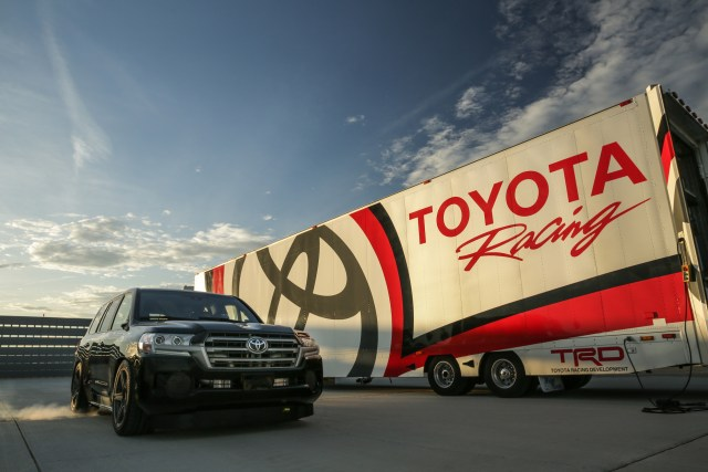 Yotatech.com 2017 Toyota Land Cruiser Speed Record Fastest SUV