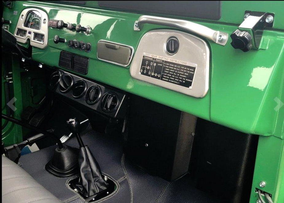 1982 FJ40 Interior